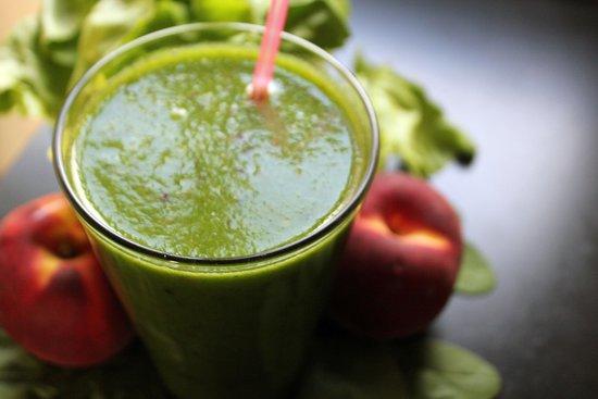 Smoothies z ovocia a zeleniny pomáhajú detoxikovať organizmus.