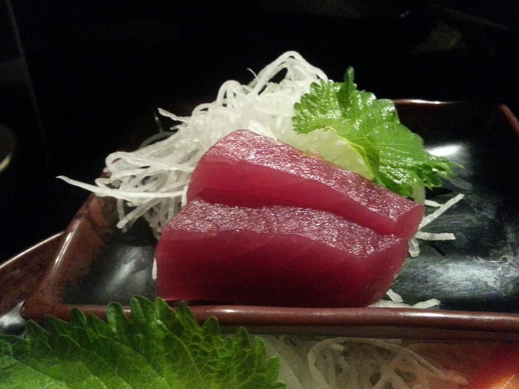 tuniak so zeleninovým šalátom na večeru