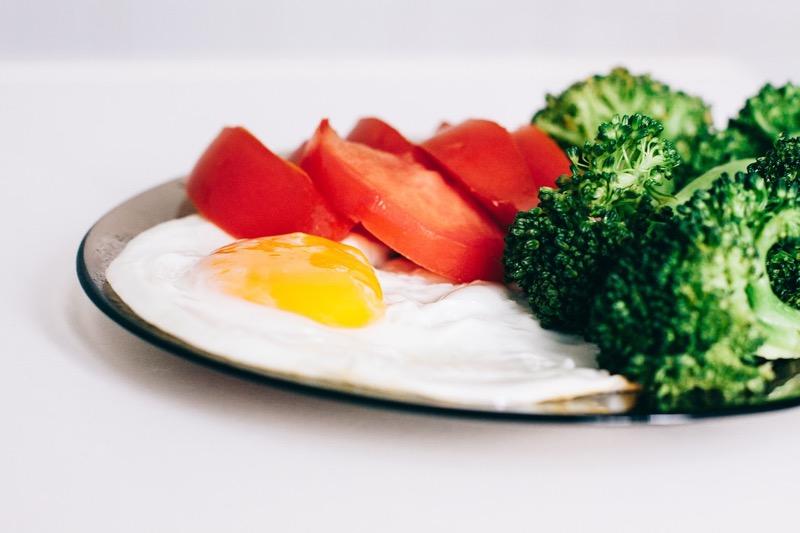 Brokolicu a paradajky môžete jesť donekonečna.
