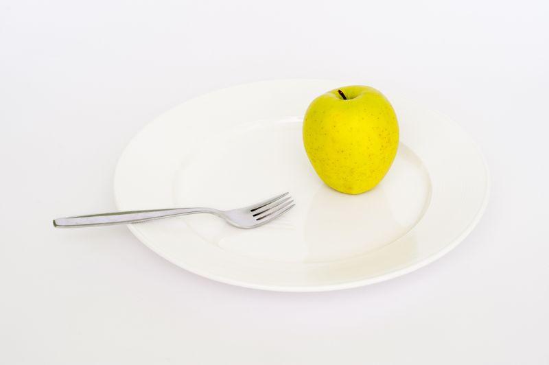 Drastické zníženie príjmu kalórii nie je vždy najšťastnejším riešením