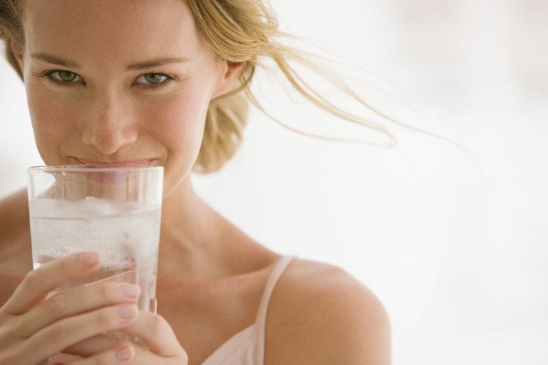 Pitie vody má významný vplyv na chudnutie.