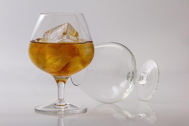 Sladký alkohol pri chudnutí vám neprospieva.