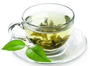 Zelený čaj je zdravým doplnkom plným antioxidantov.