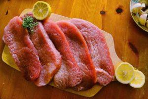 Základom paleo stravy je konzumácia vysokého množstva bielkovín živočíšneho pôvodu.