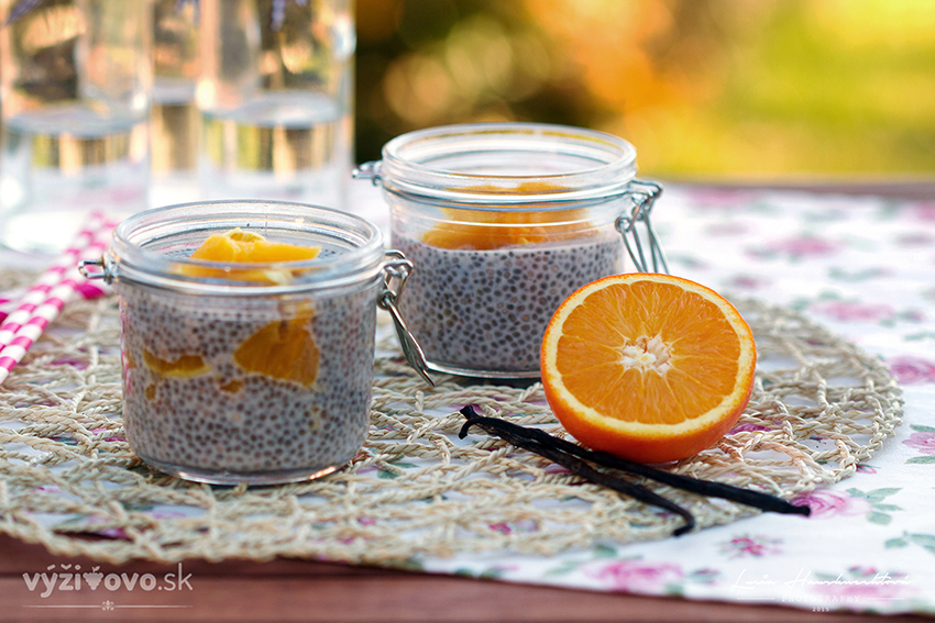 Vanilkový chia puding s pomarančom