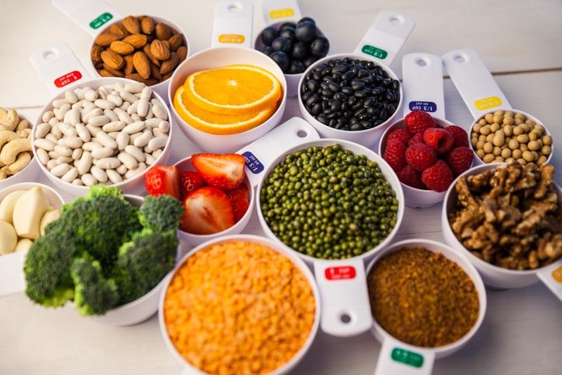 Vyvážené stravovanie je základom správneho fungovania vnútorných detoxikačných procesov.