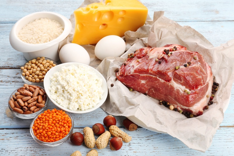 Bielkoviny zasýtia na dlhú dobu, znižujú tak chuť na nezdravé jedlo a večerné prejedanie.