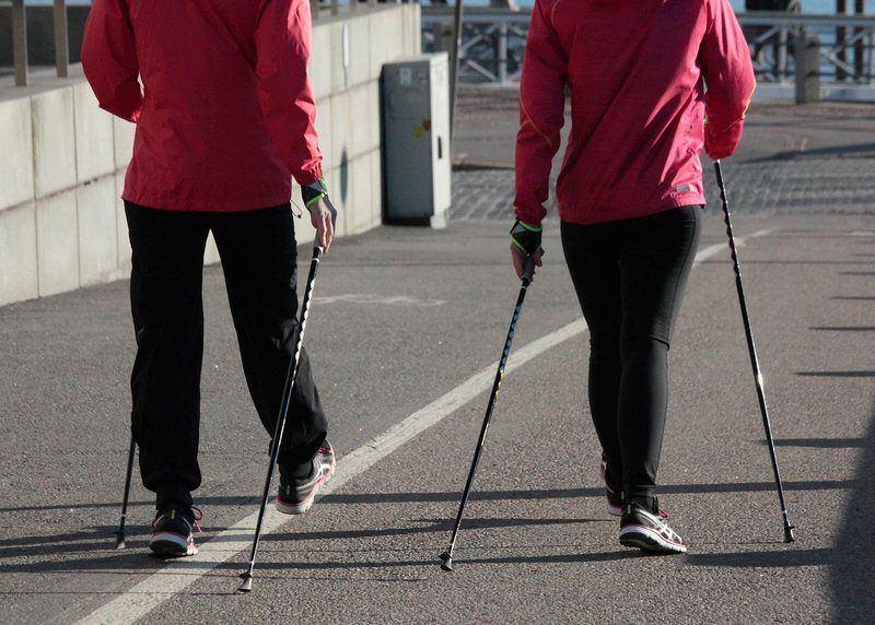 Chôdza pomáha schudnúť. Ako chodiť viac?