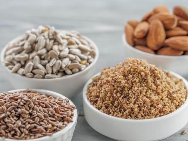 Pri chudnutí po pôrode zaraďte do svojho jedálnička aj potraviny bohaté na vlákninu a bielkoviny