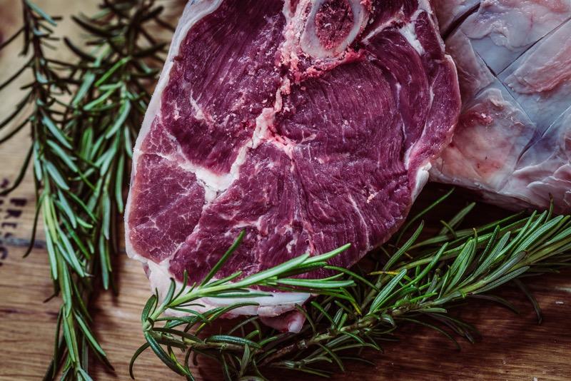 Hovädzí steak je výborný zdroj bielkovín