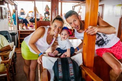 Lucia a Peter Švaralovci so synčekom, ktorí založili projekt Fitshaker.sk