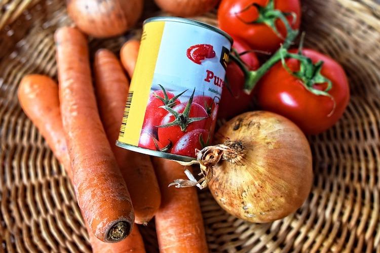 paradajky v plechovke