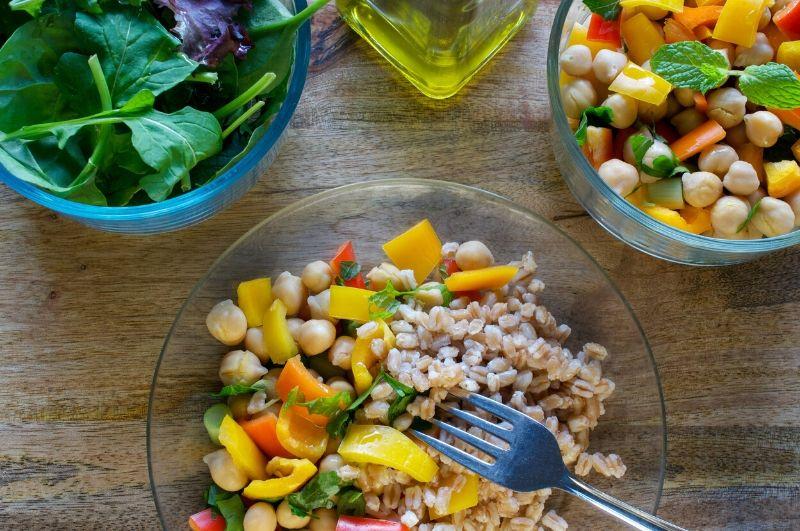 Proteínová diéta by mala obsahovať živočíšne aj rastlinné bielkoviny