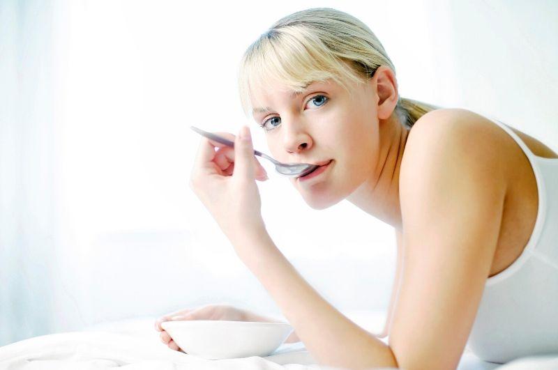 žena dodržiavanie ketónovej diéty