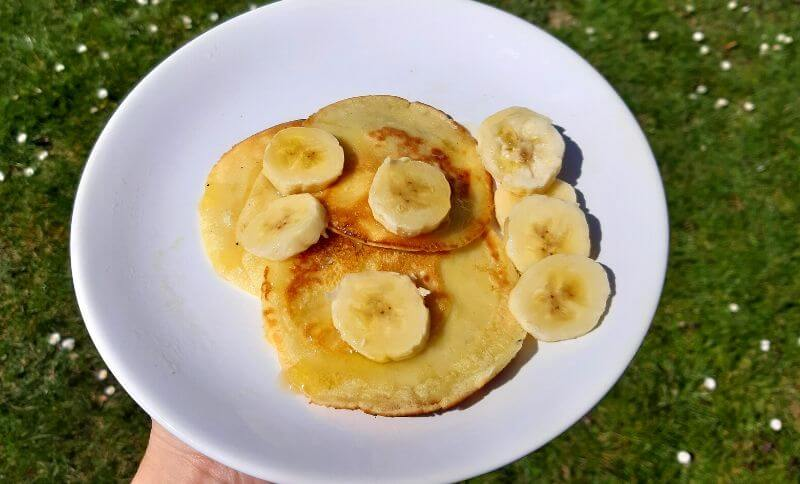 Palacinky s proteínom, tvarohom a banánom
