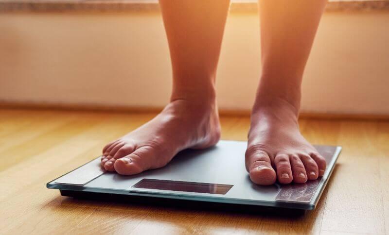 Výživový poradca používa pri meraní jednotlivých telesných parametrov tanitu