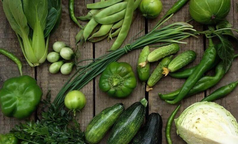 Uprednostnite zelenú zeleninu, ktorá má nižší podiel sacharidov.