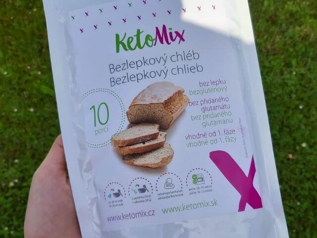 Low carb chlieb je možné pripraviť aj z hotovej zmesi KetoMix určenej priamo na prípravu bezlepkového chleba