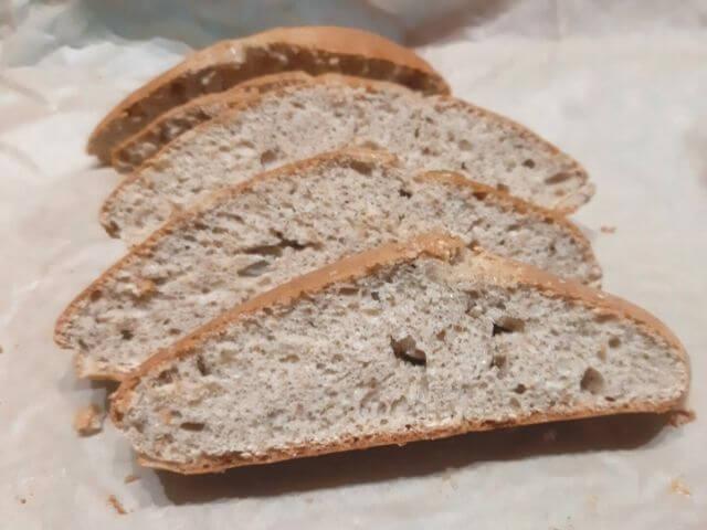Bielkovinový chlieb z predpripravenej zmesi KetoMix má vysoký podiel bielkovín