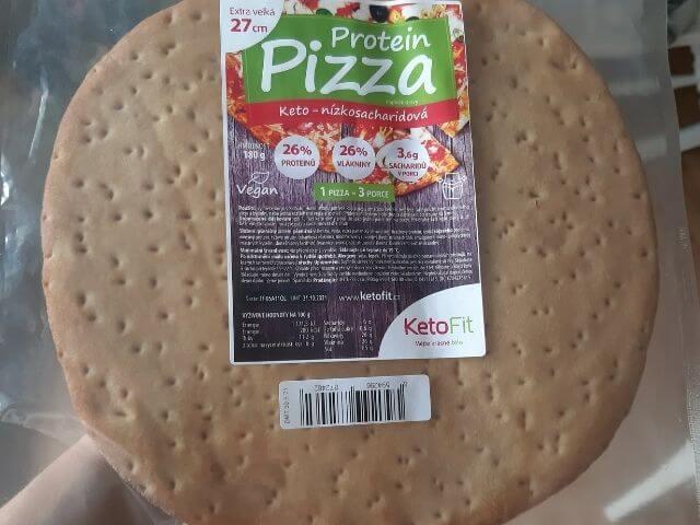 Hotový, už upečený korpus na low carb pizzu s nízkym obsahom sacharidov a vyšším podielom vlákniny a bielkovín
