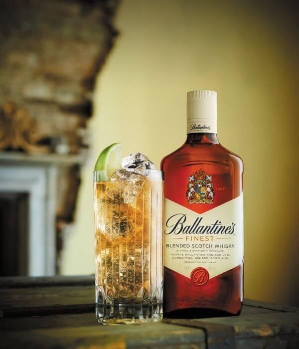 Škótska whisky Ballantine's Finest